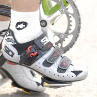 自転車の 自転車 足首 角度 : 下死点まで回して、かかとに ...