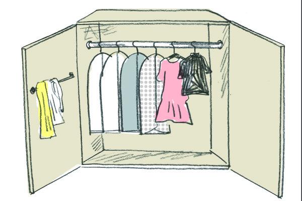 【雑な管理が悲劇の元】知っておきたい来シーズンのための正しい服の保管方法