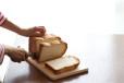 【パン切包丁は必要なし!】食パンをカフェのトーストみたいにキレイに切るワザ