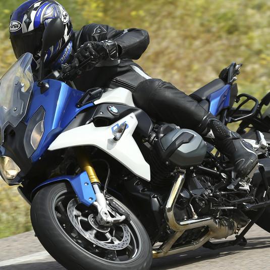【最速レポート】伝説の最強ツーリング・スポーツバイク復活!!【R1200RS】