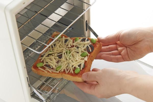"""冷凍庫から出して焼くだけ! 最強時短朝ごはん""""のっけトースト"""""""