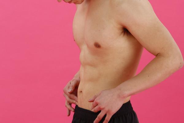 【年齢性別関係なし】あなたの腹筋も本当は割れている! 脂肪さえなければ見えるハズ