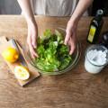 """""""手""""で混ぜるだけで、サラダのおいしさが倍増するって本当!?"""