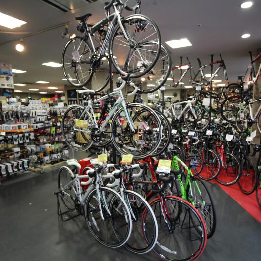 自転車雑誌編集長に聞いた「ロードバイクは10万円あればデビューできる!」は本当か?