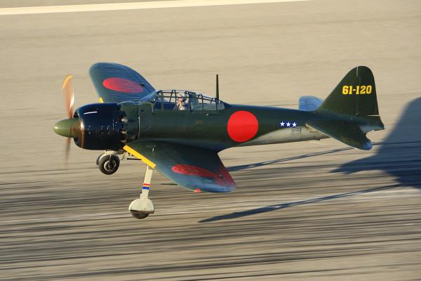 【動画】現存する唯一の零戦五二型はこんなに飛べる【零戦と栄発動機】
