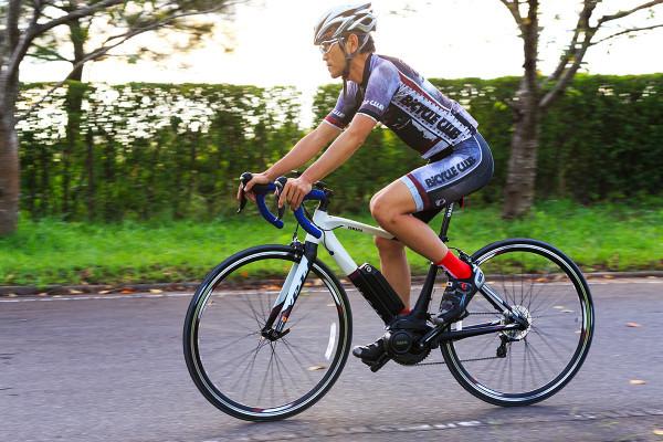 パワーアシスト自転車を作ったヤマハから、苦労のないスポーツ自転車登場!【YPJ-R】