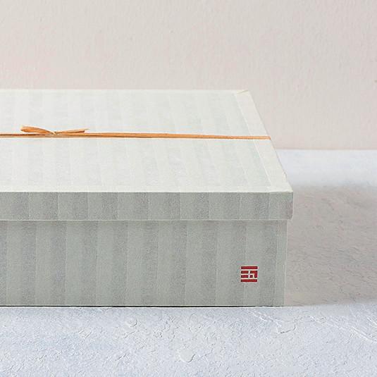 """日本の1月(睦月)は、""""睦まじさ""""で出来ている【和菓子がある風景 vol.6】"""