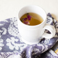 腰痛に泣くあなたの救世主! 血流促進で痛みを改善する薬膳茶レシピとは?