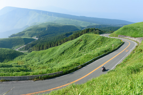 新ツーリング王国・九州強し!絶景を知り尽くしたライダーが選ぶ2016年全国絶景道ランキング!
