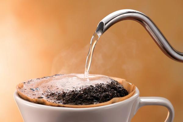 熱々のお湯はNG! コーヒーの旨味を引き出す魔法の温度