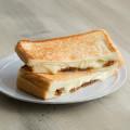 """フライパンで簡単! ぎゅ~と押すほど美味しくなる""""ホットサンド""""の作り方"""