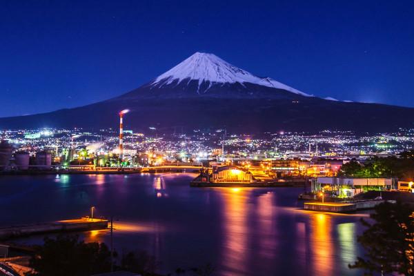 1200_田子の浦港の夜景と富士