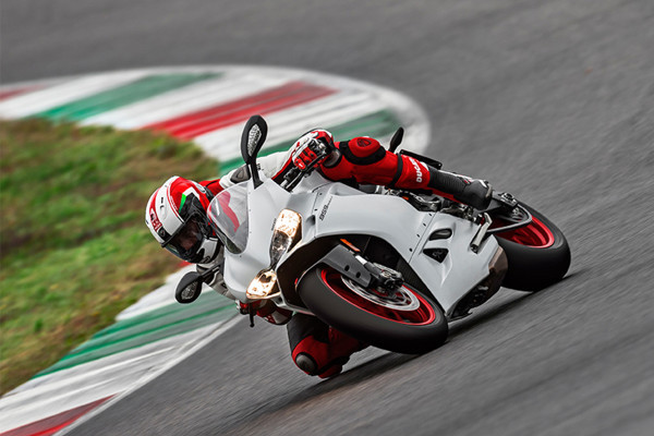 959Panigale/Hypermotard939 Debut Fairを開催