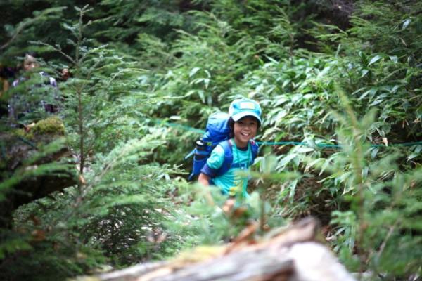 ゴールドウイン、子どもたちだけで挑戦するザ・ノース・フェイス『キッズ トレッキング in玄岳・氷ヶ池』開催