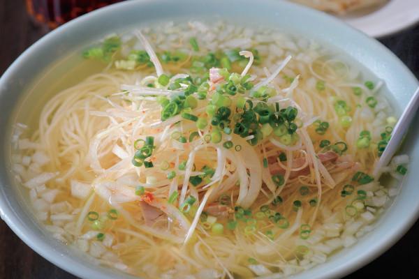 湘南ローカル食堂 味で勝負のB級グルメ