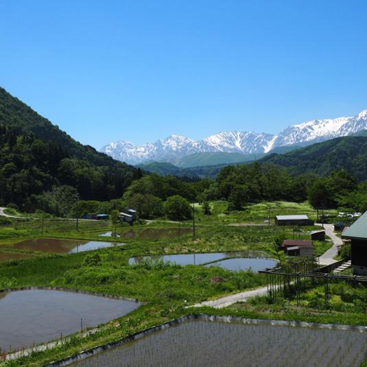 【ふるさと納税】長野 小谷村が「お礼」に登山雑誌を用意。その理由は?