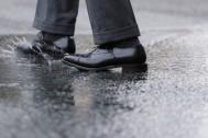 大人の身だしなみ。革靴の雨対策、もうやった?