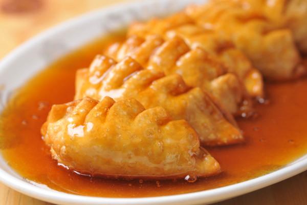 サクサク皮にとろ~り甘酢あん……「揚げ餃子」が悶絶するウマさ!