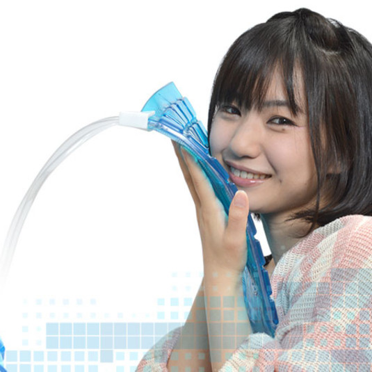 サンコー、吸熱マット+水冷パイプで長時間効率的に冷やすUSB『水冷静音クーリングマット』発売