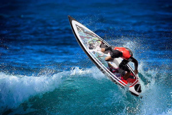 これでアナタも陸サーファー卒業!? RCサーファー3で波乗り初体験
