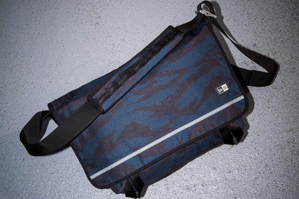 ニューエラ、タイガーストライプカモフラージュ柄のメッセンジャーバッグを発売
