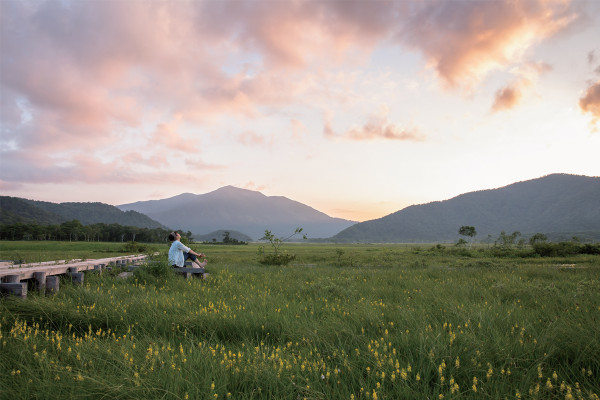 ランドネ×檜枝岐村presents 四角友里とゆく 秋の尾瀬・縦断2日間の旅 ~金色に輝く湿原と木道を歩こう~
