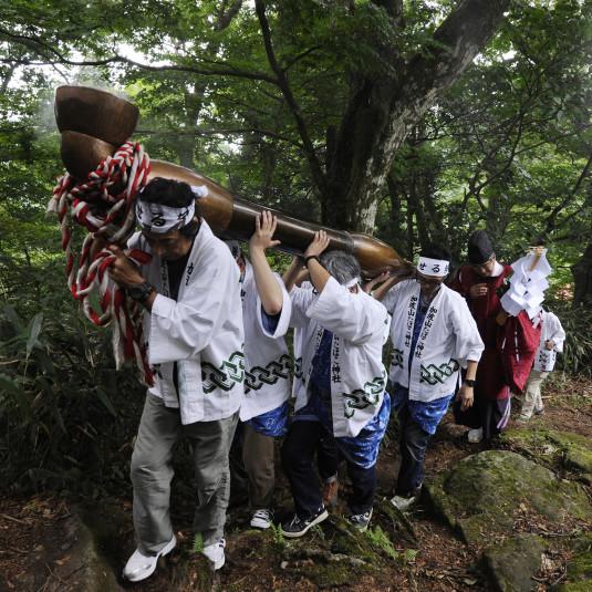 こんな祭りが山で!? 「山の奇祭」キセル祭り(茨城県)