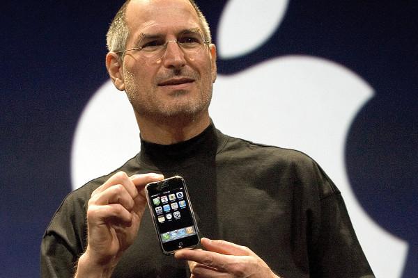 初代iPhone発表から10年。これから10年でどう変わる?