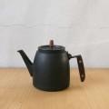【イベント】コーヒーを美味しくする豊かな工夫が見どころ「釜定 南部鉄器ケトルとコーヒー展」開催