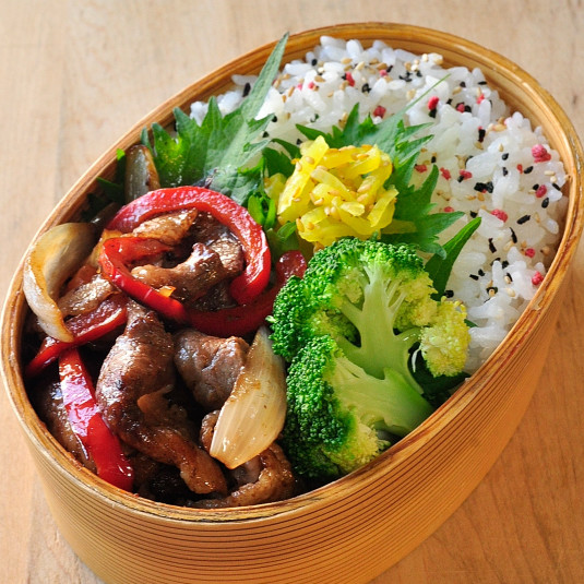 もう悩まない!「しっかり味+やさしい味+味つけなしの野菜」ルール【長谷川りえさんのお弁当おかず】