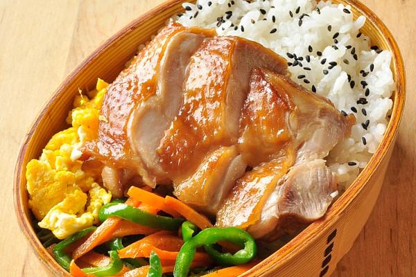 忙しい朝の救世主。鶏肉をしょうゆに漬けるだけ! お弁当おかず