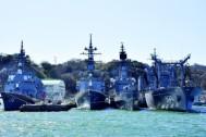 今話題の第7艦隊空母やイージス艦が目の前に! 大迫力の軍港巡りクルーズは横須賀ならでは