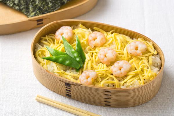 定番の卵焼きも印象チェンジ! お弁当おかずの盛りつけアイデア
