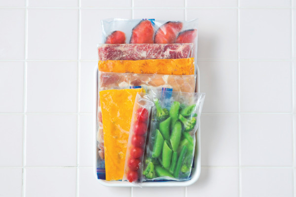 しょうがや大根、牛乳も…「使いきれない食材」は冷凍して便利に使おう