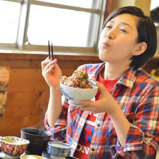多聞恵美のうまいもんオカワリ!!「静岡県・東伊豆町 磯辺のアジ丼は食べるほどに食欲が湧くアジマウンテン!」