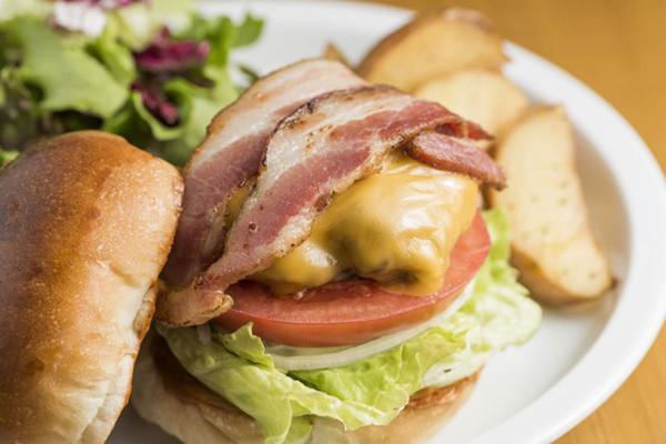 ガッツリ系必見! 絶対食べたい『デカ』ハンバーガー5選