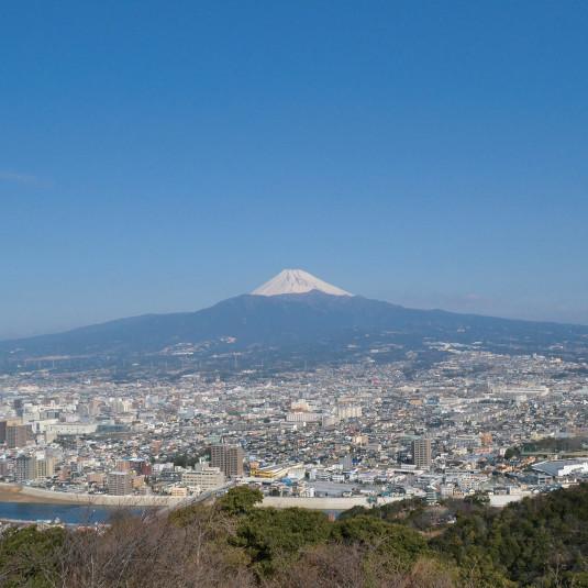 PEAKS特別編集 富士山が見える低山詳細ルートガイド