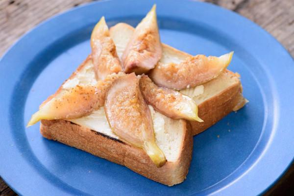 【思い出を彩る山ごはん】旬のイチジクの美味しさをたっぷり味わう簡単トースト