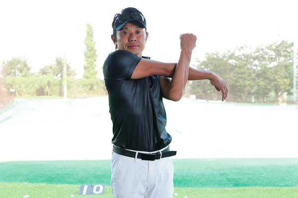 ゴルフ練習前に! 120秒ストレッチでケガを防止しよう