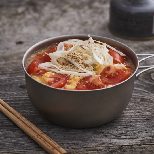 【かんたん山ごはん】インスタントラーメンが酸辣湯麺に!
