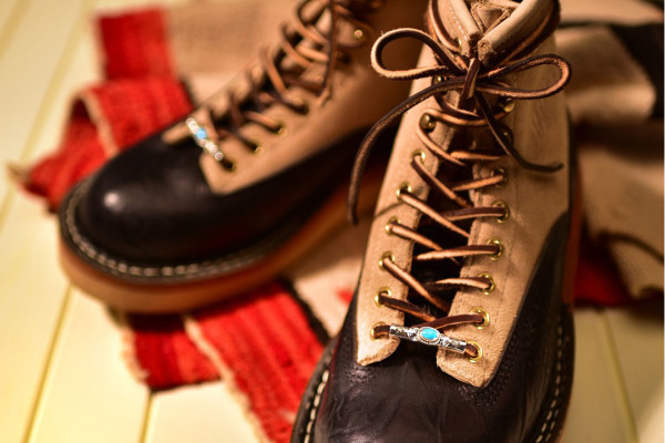 White's Bootsが提案する『ブーツのためのジュエリー』