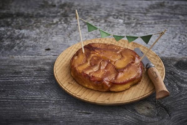 """【かんたん山ごはん】""""男前""""のりんごケーキを山で焼こう"""