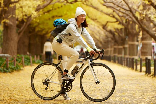乗ってるだけでキレイな体に! 賢いトレ女はロードバイクを選んでる