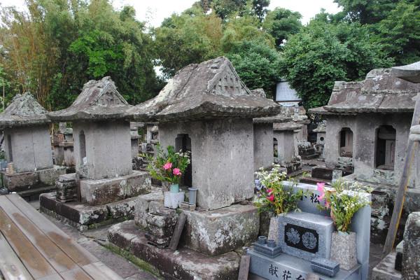 小松帯刀墓