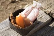 【思い出を彩る山ごはん】冬の山歩きのお供に!干し柿のバター&チーズキャンディ