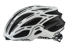 長距離ライダー必見! 驚異の軽さの自転車ヘルメット