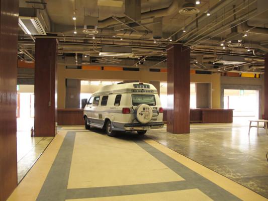ザ・クラブハウス横浜ベイ  ゴールデンウィーク 室内型スペシャルキャンピングカーサイト OPEN!