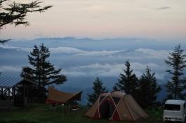 初夏キャンプのお楽しみ! ごほうび絶景が待っている雲上のキャンプ場<西日本編>