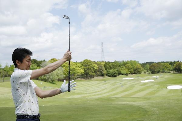 ゴルフ初心者必見! グリップの握り方をマスターしよう