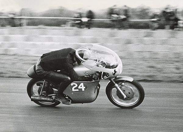 10_1960 Hailwood_250_UC65894_High01